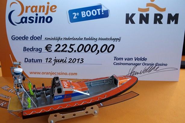 http://www.aanhetstrand.nl/wp-content/uploads/2013/06/knrm.jpg
